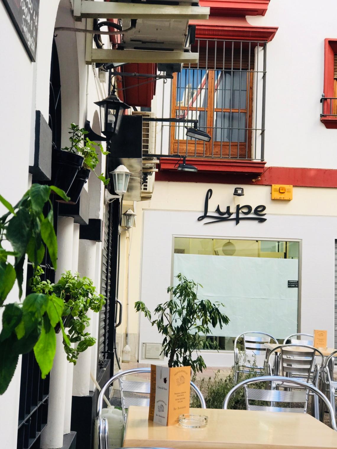 Seville road side cafe.